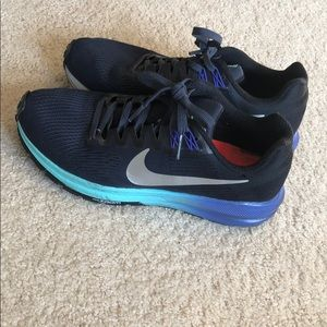 Nike Zoom Structure 21 Running Shoes